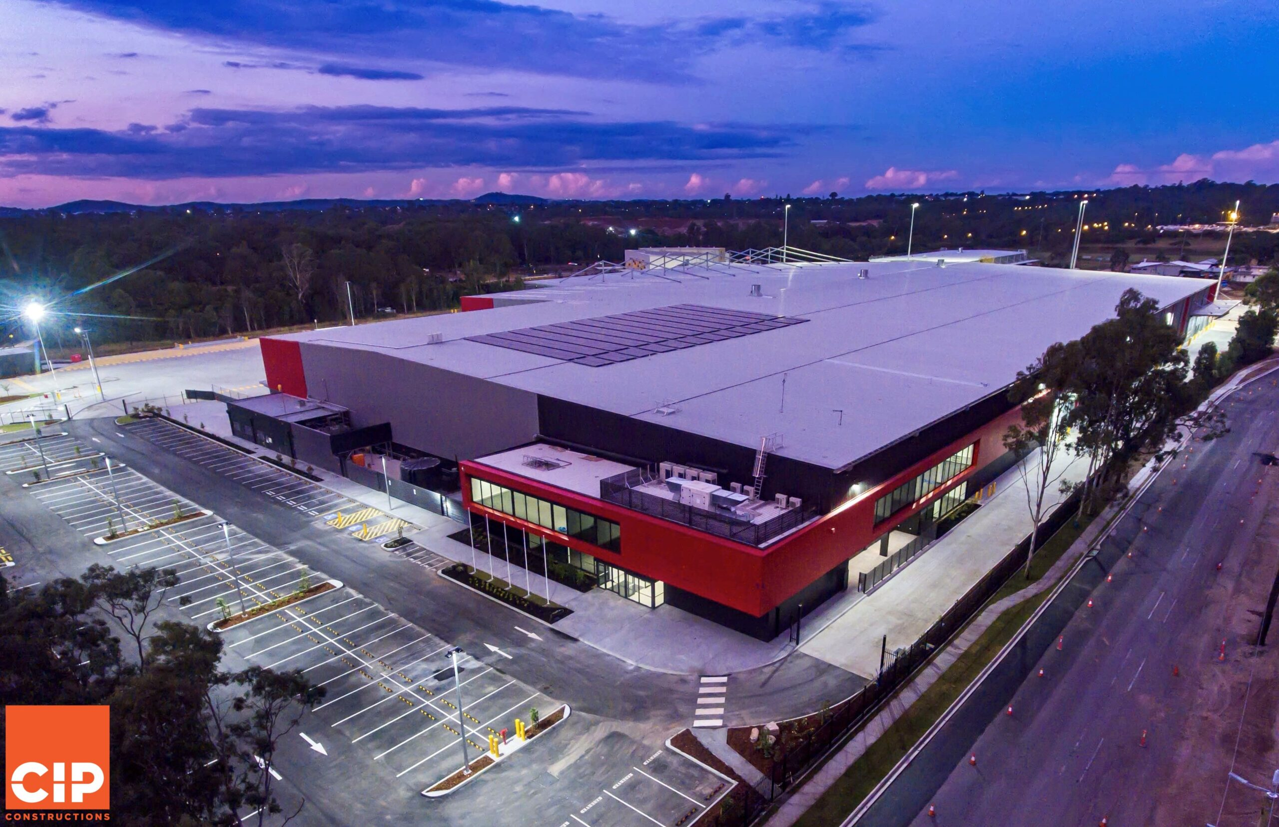 Green Building Council of Australia awards CIP Constructions 5 Star Green Star rating for Linfox facility in Willawong, QLD.
